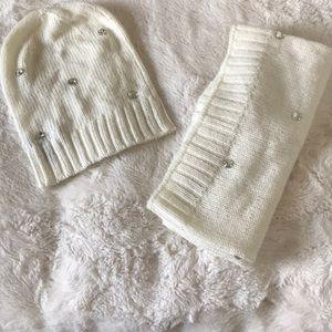 Victoria secret hat & scarf set